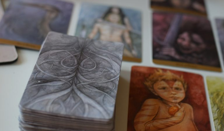 Review Tarot du Royaume Caché